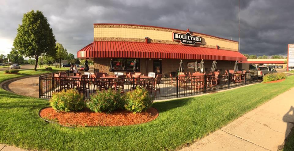 Boulevard Bar & Grille – Coon Rapids